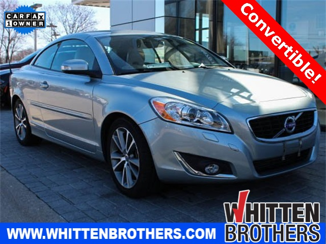 Pre-Owned 2013 Volvo C70 T5