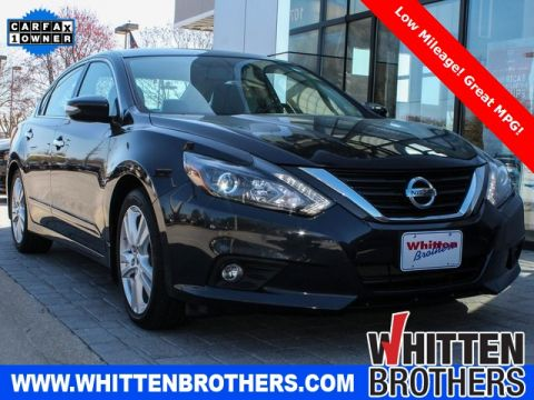 Pre-Owned 2017 Nissan Altima 3.5 SL With Navigation