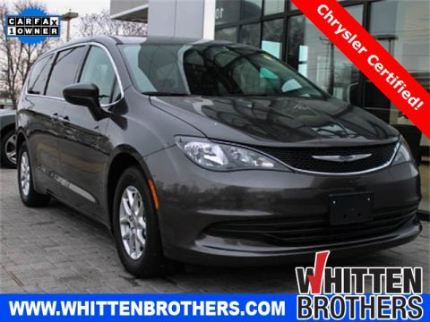 Pre-Owned 2017 Chrysler Pacifica Touring FWD 4D Passenger Van